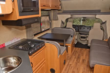 cruise-canada-30-foot-motorhome-interior