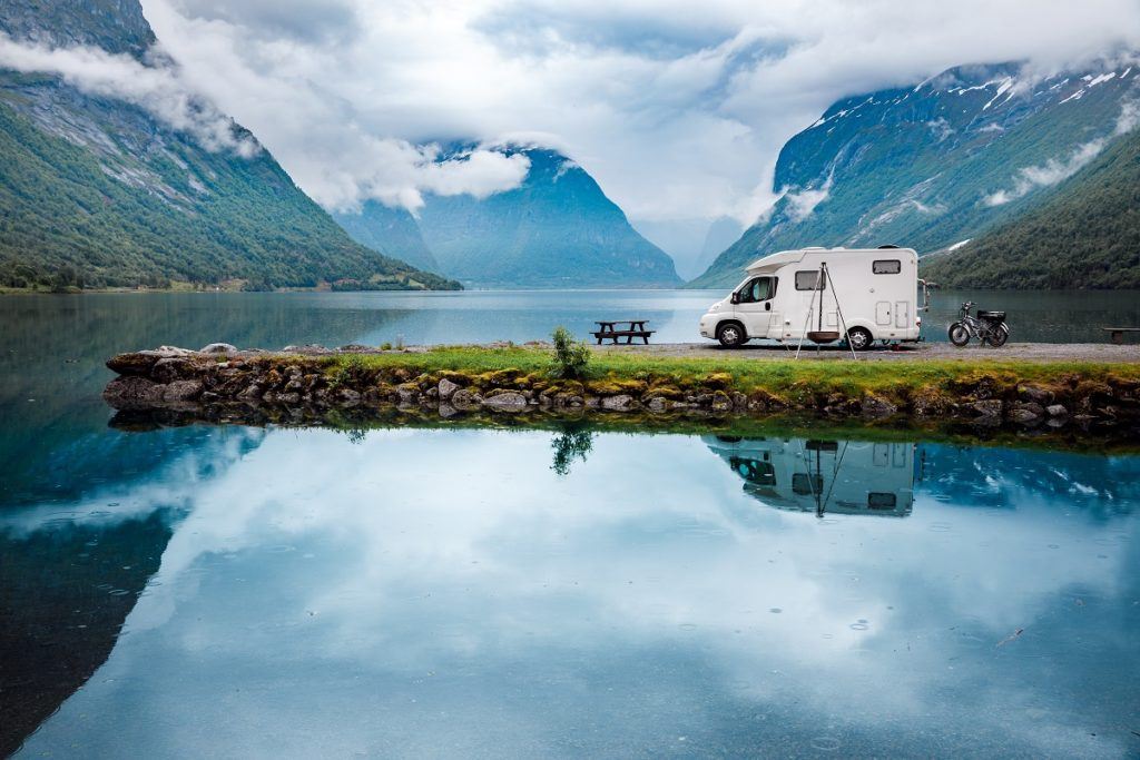 Park your RV beside your new favourite lake